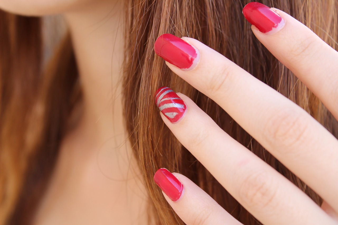 What Is The Best Nail Polish Color For Redheads Paint